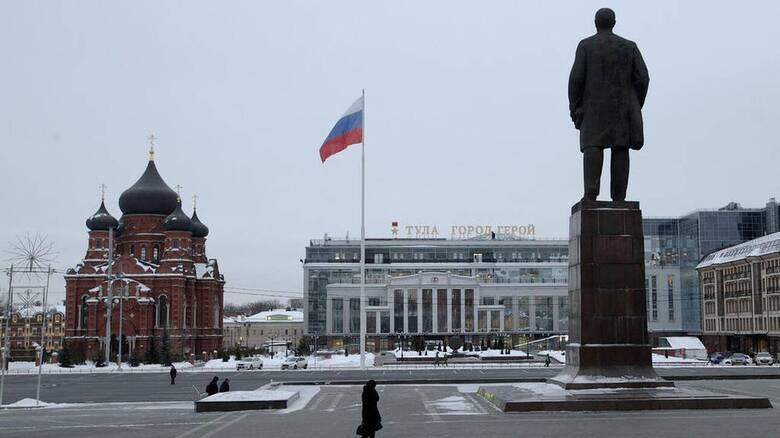 H Ρωσία απελαύνει επτά διπλωμάτες από τέσσερις χώρες