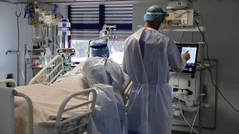 Γιαννάκος: Σε τέσσερα νοσοκομεία της Αττικής το μεγαλύτερο πρόβλημα διασωληνωμένων εκτός ΜΕΘ