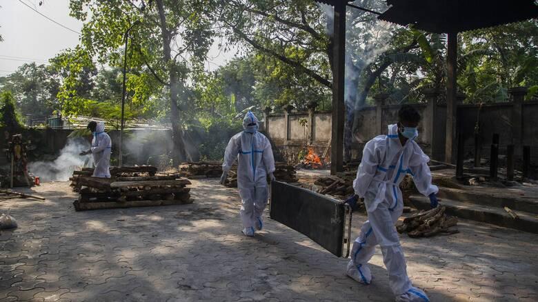 Κορωνοϊός - Ινδία: Τραγικό ημερήσιο ρεκόρ σε θανάτους