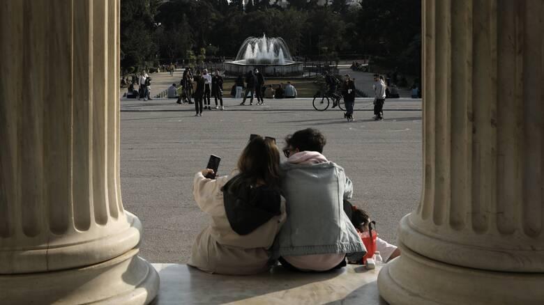 Πάσχα στην πόλη: Το άνοιγμα των διαδημοτικών, οι ουρές στα διόδια και η πίεση στο ΕΣΥ