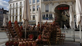 Κορωνοϊός - Γαλλία: Ανοίγουν καταστήματα, σινεμά, μπαρ και εστιατόρια στις 19 Μαΐου