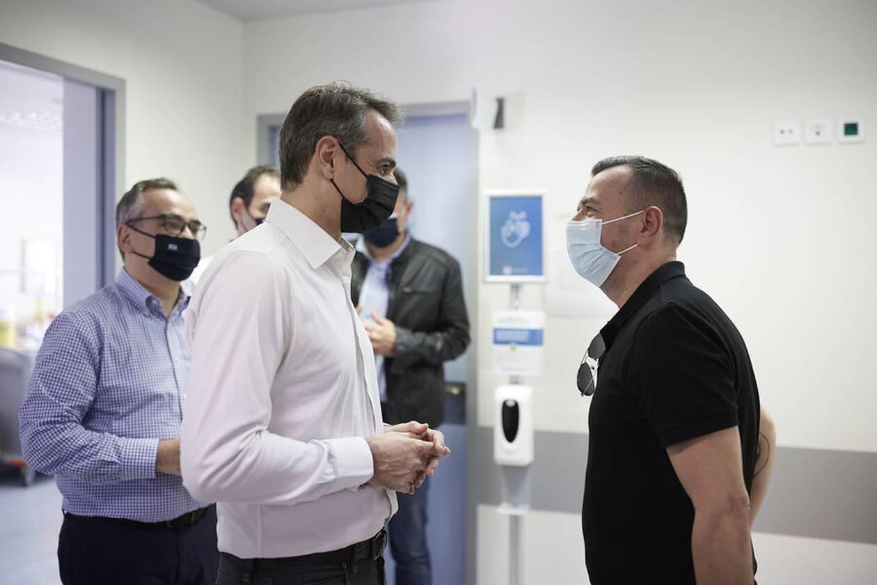 https://cdn.cnngreece.gr/media/news/2021/04/30/264169/photos/snapshot/mitsotakis-rafina-16.jpg
