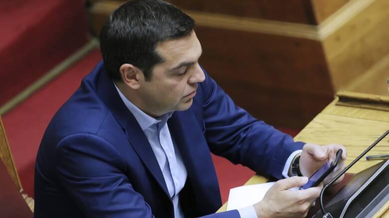 ΣΥΡΙΖΑ: Φρένο στα SMS – Γκάζι στα εμβόλια