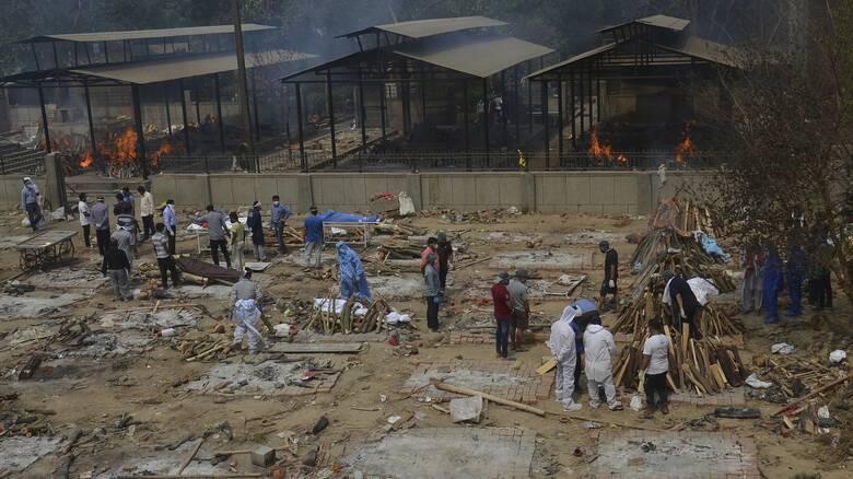 Κορωνοϊός - Ινδία: Νέο τραγικό ρεκόρ θανάτων και πάνω από 390.000 κρούσματα