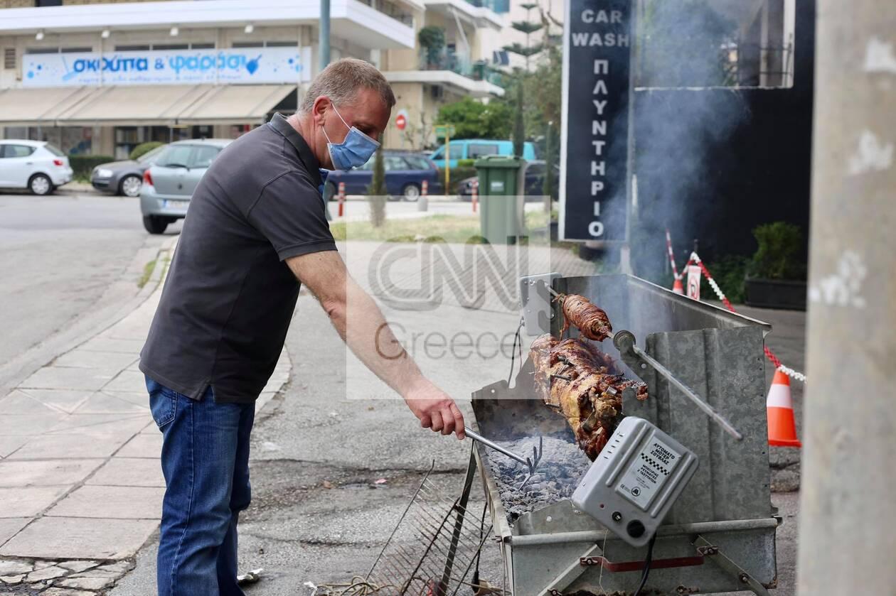 https://cdn.cnngreece.gr/media/news/2021/05/02/264346/photos/snapshot/souvla3.jpg