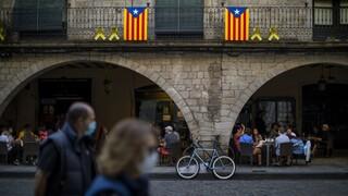 Κορωνοϊός - Ισπανία: Δεκάδες νέοι ξανά σε κλαμπ - «Πείραμα» με ψηφιακό πάσο Covid