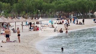 Πάσχα: Ανέβηκε η θερμοκρασία, κατηφόρισαν στις παραλίες οι Αθηναίοι