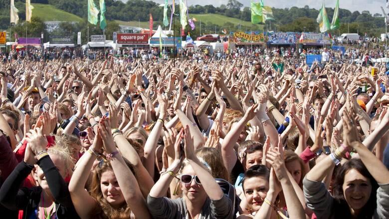 Λίβερπουλ: Φεστιβάλ-πείραμα χωρίς μάσκες με 5.000 συμμετέχοντες