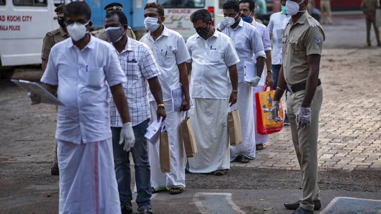 Ινδία - Κορωνοϊός: Συνεχίζεται ο εφιάλτης - Τρίτη στη λίστα των θανάτων παγκοσμίως