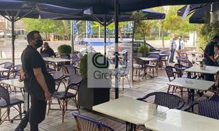 Πρεμιέρα για την εστίαση: Υποδέχονται τους πρώτους πελάτες καφέ και εστιατόρια
