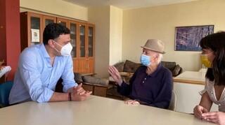 Συνάντηση Κικίλια με τον πρώτο Έλληνα εμβολιασθέντα: Η ανάρτηση του υπουργού