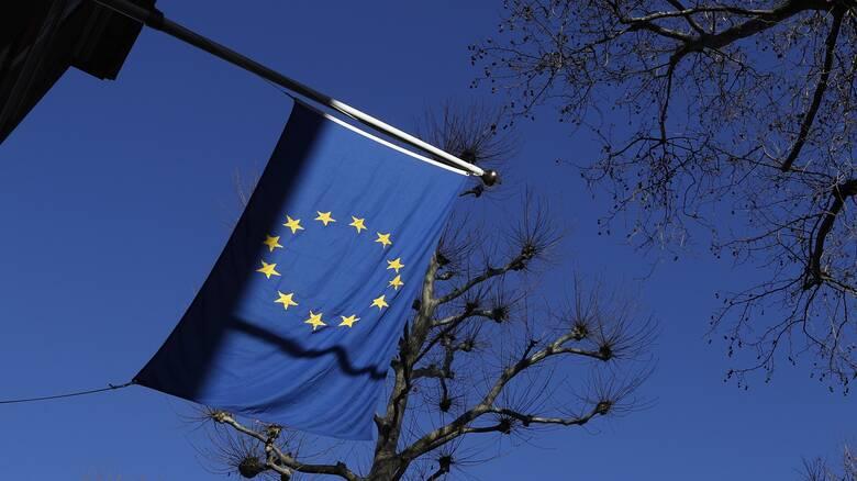 Προς χαλάρωση των περιορισμών στα ταξίδια αναψυχής εντός ΕΕ