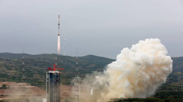 Ανησυχία για κινεζικό πύραυλο που βρίσκεται εκτός ελέγχου και κατευθύνεται στη Γη