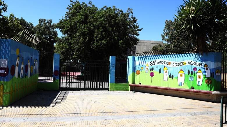 Γεωργιάδης: Υπό συζήτηση το άνοιγμα παιδικών σταθμών, φροντιστηρίων και γυμναστηρίων