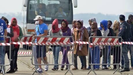 Guardian: Άρθρο-«καταπέλτης» για Ελλάδα, Ιταλία και Κροατία για παράνομες επαναπροωθήσεις προσφύγων