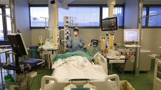 Κορωνοϊός: 2.093 νέα κρούσματα, 765 διασωληνωμένοι, 96 θάνατοι