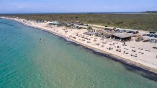 Lockdown: Ανοίγουν οι οργανωμένες παραλίες - Τι ανακοίνωσε η κυβέρνηση