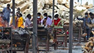 Ινδία: Περισσότερα από 400.000 περιστατικά νέων μολύνσεων κορωνοϊού και 3.980 θάνατοι