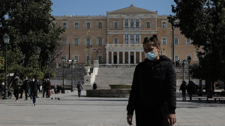 Κορωνοϊός - Δερμιτζάκης: Αυξημένα έως τα μέσα Ιουνίου τα κρούσματα - Δεν θα βγάλουμε τη μάσκα