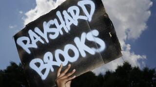 ΗΠΑ: Επαναπροσλήφθηκε αστυνομικός που είχε σκοτώσει Αφροαμερικανό στην Ατλάντα