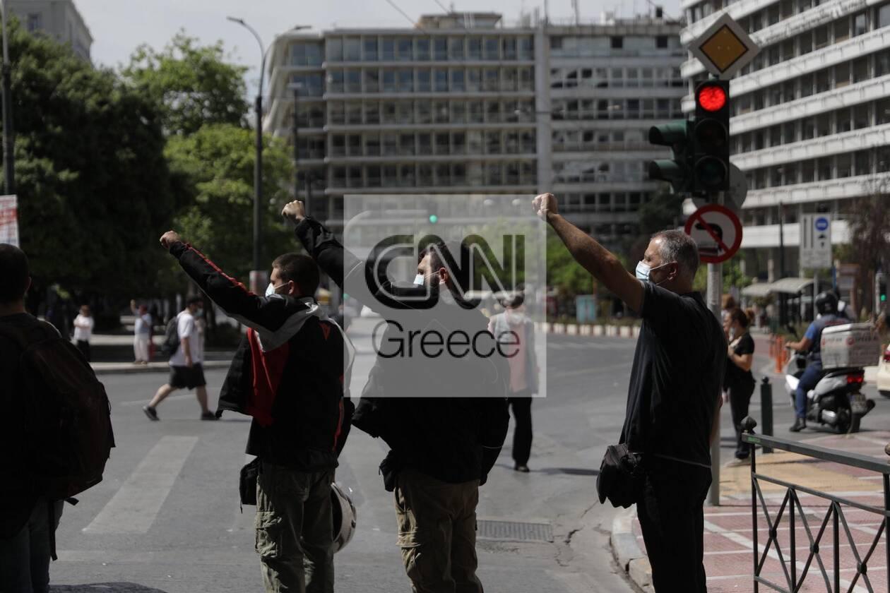 https://cdn.cnngreece.gr/media/news/2021/05/06/264741/photos/snapshot/sillalitirio-kentro-1.jpg