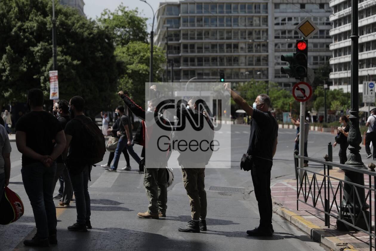 https://cdn.cnngreece.gr/media/news/2021/05/06/264741/photos/snapshot/sillalitirio-kentro-11.jpg