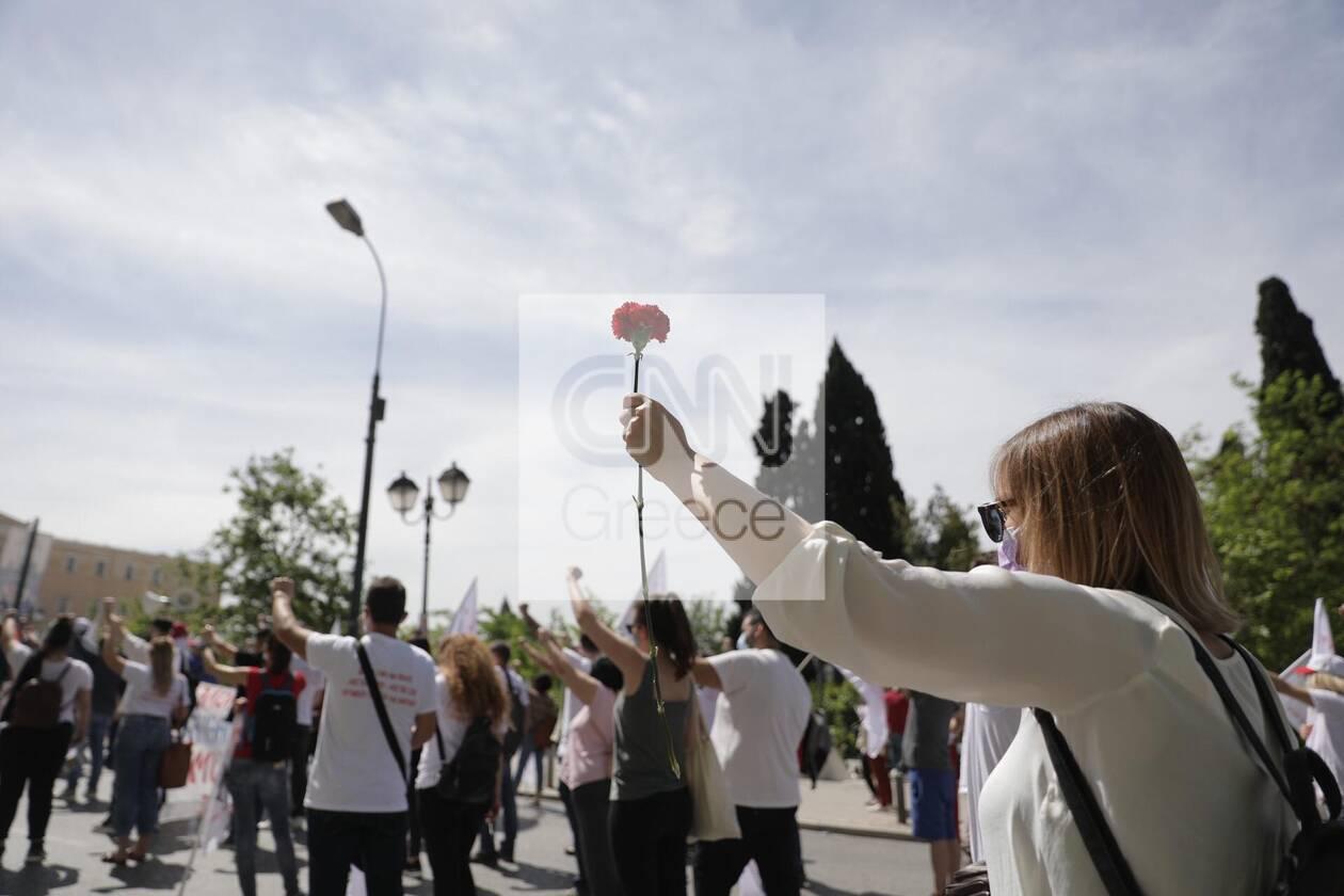 https://cdn.cnngreece.gr/media/news/2021/05/06/264741/photos/snapshot/sillalitirio-kentro-8.jpg