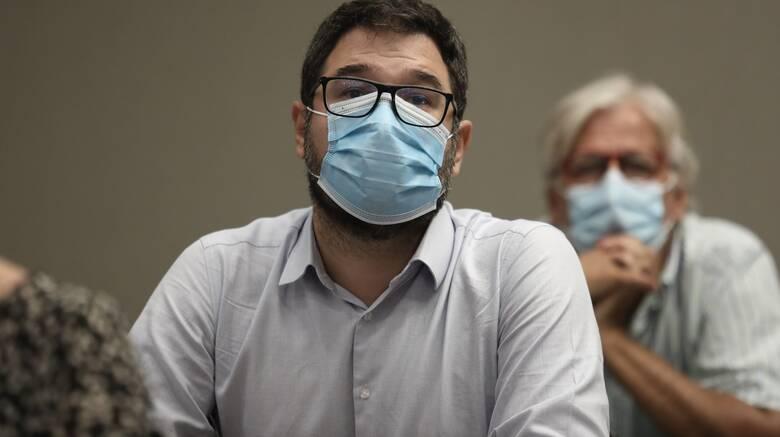Ηλιόπουλος: Η κυβέρνηση να καταθέσει άμεσα πρόταση στην ΕΕ για τις πατέντες εμβολίων