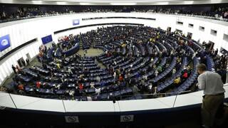 ΕΕ: Επιστολή 108 ευρωβουλευτών και 280 Ευρωπαίων βουλευτών για άρση της πατέντας των εμβολίων