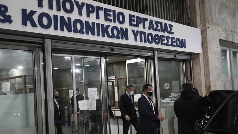 Αντιδράσεις για το ωράριο εργασίας: Αιχμηρή κριτική από ΣΥΡΙΖΑ και ΚΚΕ