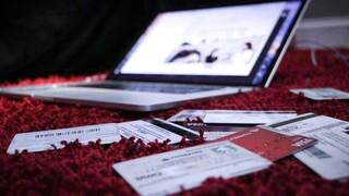 Glami: Υπέρ των online αγορών και στα είδη μόδας οι Έλληνες καταναλωτές