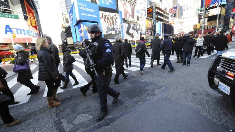 ΗΠΑ: Τρεις τραυματίες μετά απο πυροβολισμούς στην Times Square της Νέας Υόρκης