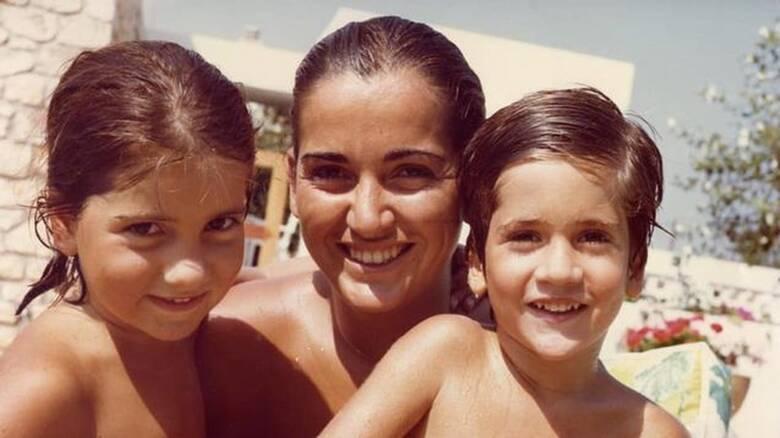 Ημέρα της Μητέρας 2021: «Τριπλή μάσκα να βάλεις παιδί μου» - Η ανάρτηση του Κώστα Μπακογιάννη