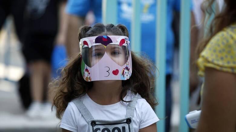 Κορωνοϊός: Εβδομάδα «ολικής επαναφοράς» σε σχολεία και τουρισμό