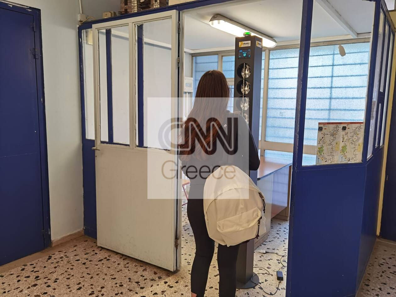 https://cdn.cnngreece.gr/media/news/2021/05/10/265193/photos/snapshot/anoigma-sxoleiwvn-proti-mera-3.jpg