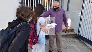 Άνοιγμα σχολείων: Πρώτο κουδούνι με μάσκες και αρνητικά self test