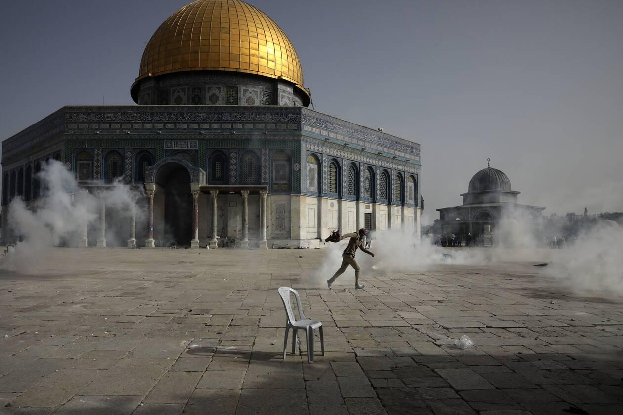 Βίαιες συγκρούσεις στην Ιερουσαλήμ: Εκατοντάδες τραυματίες έξω από το  τέμενος Αλ-Ακσά - CNN.gr
