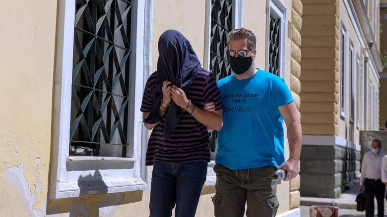 Ελεύθερος ο 22χρονος κατηγορούμενος ως επιδειξίας - Αναβλήθηκε εκ νέου η δίκη του
