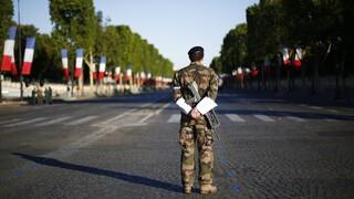 Γαλλία: Στρατιωτικοί προειδοποιούν για τον κίνδυνο εμφυλίου με νέα ανοιχτή επιστολή