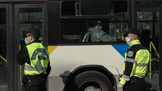 Συγκλονίζει ο οδηγός λεωφορείου που δέχτηκε επίθεση από νεαρούς: «Έβριζαν την οικογένειά μου»