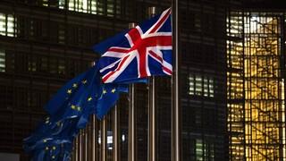 Μπαρνιέ σε Ηνωμένο Βασίλειο: Να τηρήσετε τις δεσμεύσεις που απορρέουν από το Brexit