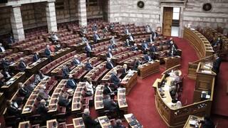 Αντιπαράθεση στη Βουλή στο νομοσχέδιο για τη συνεπιμέλεια