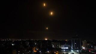 Σκηνικό πολέμου στη Μέση Ανατολή: Ρουκέτες και εκρήξεις στο Τελ Αβίβ - Σφυροκοπείται η Γάζα