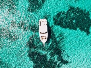 Το island hopping αλλάζει και «επιλέγει» yachting για τα covid-free νησιά!