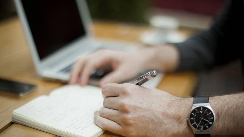 Εργασιακό νομοσχέδιο: Τι είναι και πώς θα λειτουργεί η ψηφιακή κάρτα εργασίας