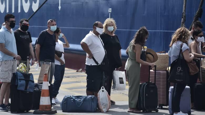 Άνοιγμα τουρισμού: Τα έγγραφα που απαιτούνται για τα ταξίδια στα νησιά - Πρώτες αφίξεις στη Ρόδο
