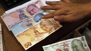 Τουρκία: Η λίρα υποχώρησε σε χαμηλό επίπεδο εξαμήνου