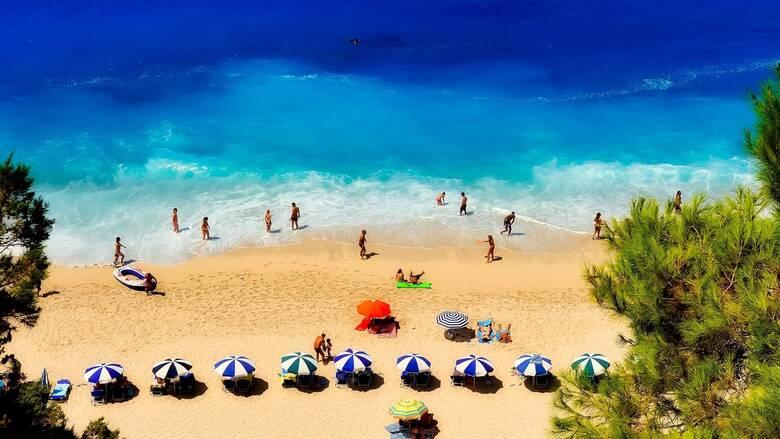 «Πρεμιέρα» για τον Τουρισμό την Παρασκευή: Πώς θα υποδεχτεί η Ελλάδα τους τουρίστες