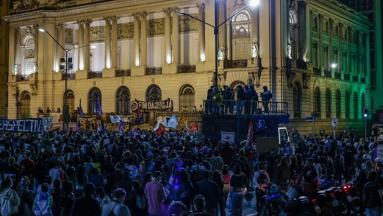 Βραζιλία: Στους δρόμους χιλιάδες κόσμου κατά του ρατσισμού μετά την σφαγή σε φαβέλα
