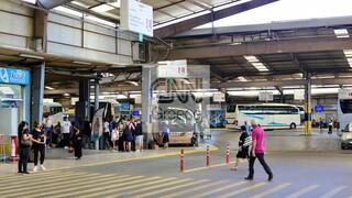 Πρεμιέρα για τον τουρισμό: Αυξημένη κίνηση σε λιμάνια ΚΤΕΛ - Έφτασαν οι πρώτοι τουρίστες